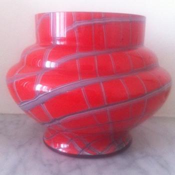 Web tango urn - Art Glass