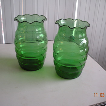 "Anchor Hocking forest green crimped vase 7"" tall made 1940s-1960s - Glassware"