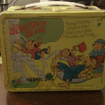 1983 Berenstain Bears Lunchbox