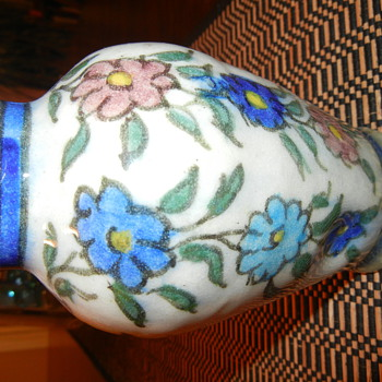 Help with ID this very early pottery vase - Pottery