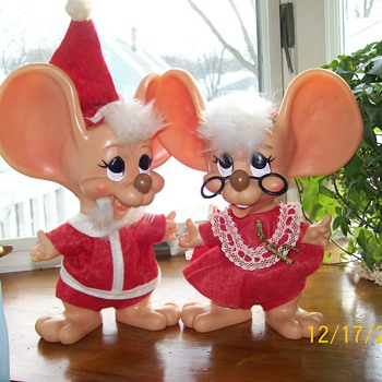Merry Christmas Vintage Big Ear Mouse Santa and Mrs Claus  - Christmas