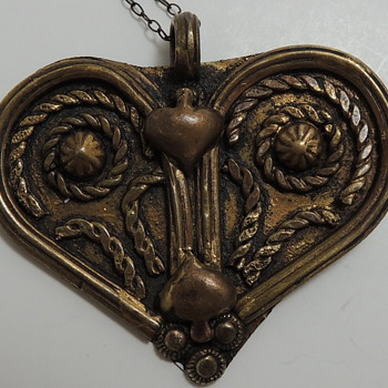 Interesting Old Heart Pendent - Costume Jewelry