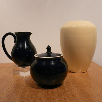 MARTIN BOYD HARLEQUIN WARE - Pottery