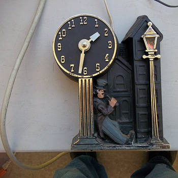 DRINKING CLOCK - Clocks