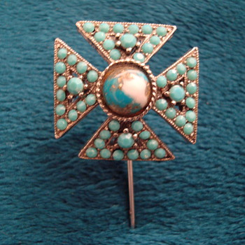 Neat Looking Hat Pin - Fine Jewelry