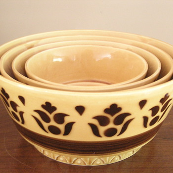Vintage 1950-60's East German nesting bowls - Kitchen