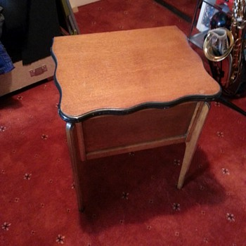 vintage side table - Furniture