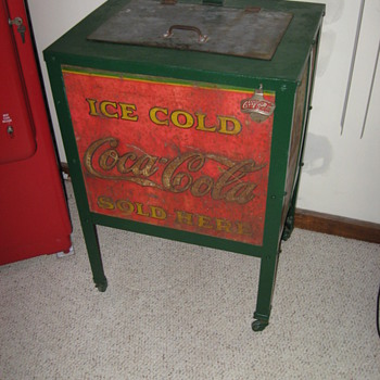 Moss Beverage Cooler Coca Cola from the 30's