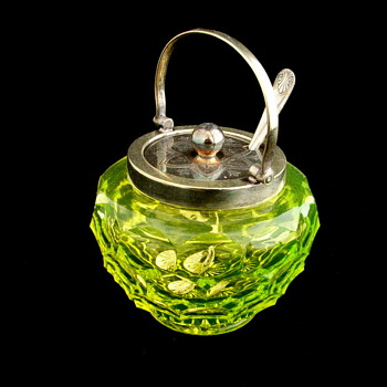English Honey Comb Vaseline Mustard Pot. Maker? - Art Glass