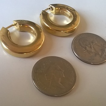 18K (.750) Gold Creole Earrings For.....25 Cents....