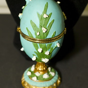 Colourful Egg trinket box - Figurines