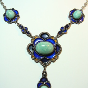 Deco Enamel and Sepentine Festoon Necklace