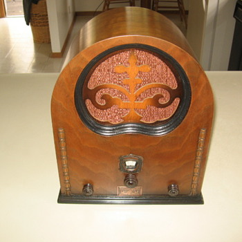 Rare Trojan Radio Corp Wood Cathedral Tube Radio 1930's - Radios