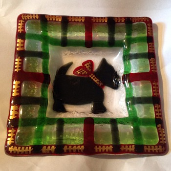 Fused Glass Scotty dog dish