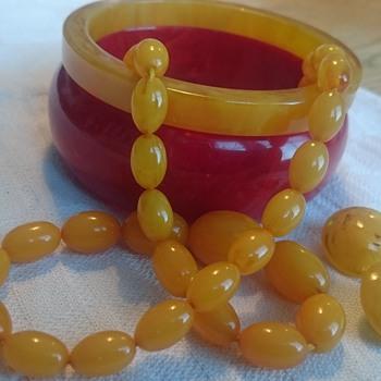 Celebrating vintage plastic jewelry  - Costume Jewelry
