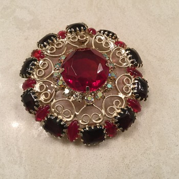 D & E RED SCROLL BROOCH - Costume Jewelry