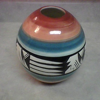 WHITE MESA UTAH POTTERY - Art Pottery