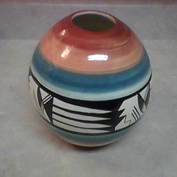 WHITE MESA UTAH POTTERY - Art Pottery