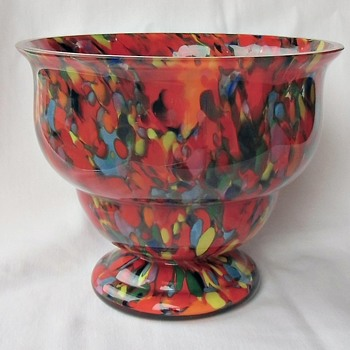 Latest Rückl Red Multi Spatter Glass Acquisition - A Large Bowl - Art Glass