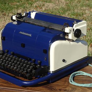 1949 Underwood Electric Typewriter