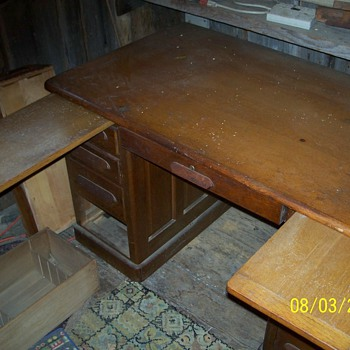 Harvard desk - Furniture