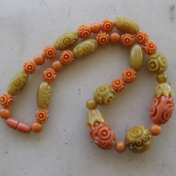 1920's-30's carved celluloid necklace