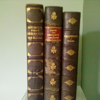 3 more books from 1911, 1914, and 3rd book from 19th century also. See Description below on all 3 books in the photo . - Books
