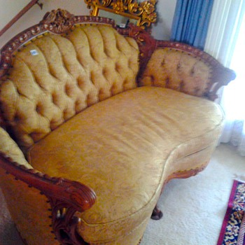 Deutsch Brothers pair of loveseats - Furniture
