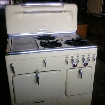 1952 Chambers stove - Model 90C - Kitchen