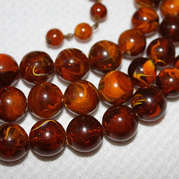 Amber or Bakelite Necklace - Costume Jewelry
