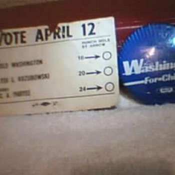 Ex- Mayor Harold Washington Pin & Punch Card. - Medals Pins and Badges