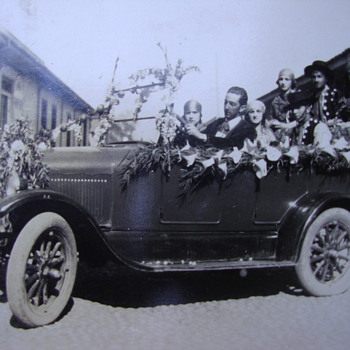 The brothers Moraga in 1930 spring festivals