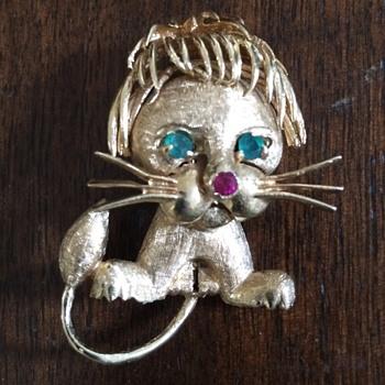 Vintage Gold Lion Brooch - Fine Jewelry