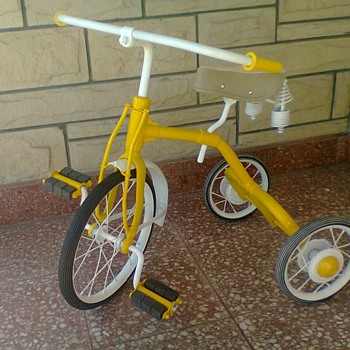 Help to know, brand, country, and approximate year of manufacture of this restored tricycle.