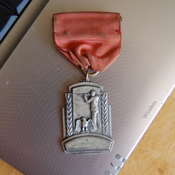 vintage badge - Military and Wartime