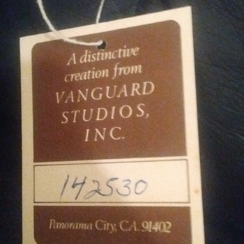 Lee Reynolds vanguard studio Inc lot # 142530 - Visual Art