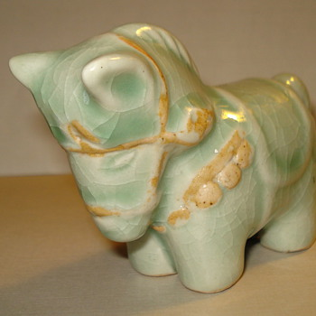 NEED YOUR HELP! PORCELAIN HORSE OR DONKEY? Thank you