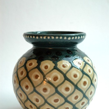 "french art deco  pottery vase with ""ananas"" pattern by LEON ELCHINGER"