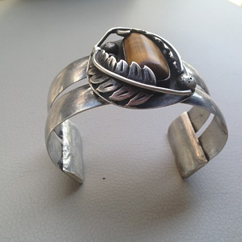 Navajo cuff bracelet but want to know the artist.  - Fine Jewelry