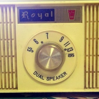 Sansei (SEC) Royal Dual Speaker Tube Radio - Radios