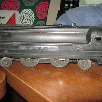 1688 Lionel Lines Locomotive Great Condition but don't know what worth - Model Trains