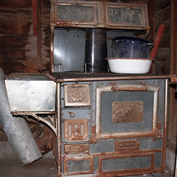 Old iron stove - Kitchen
