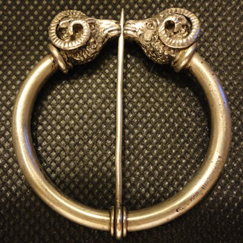 Etruscan revival penannular silver brooch by Coppini c. 1890