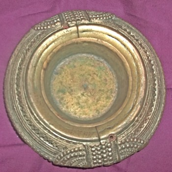 Bracelet ashtray (unknown brass ring)