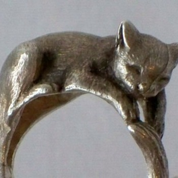 Vintage Sterling Cat Ring