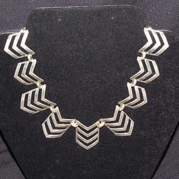 Vintage Unmarked Silver Chevron Necklace