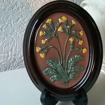 Gabriel Swedish Folk Art Wall Plaque, 1970s, Flea Market Find 50 Cents - Art Pottery