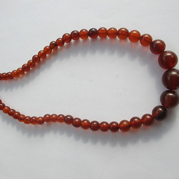 Another Bakelite necklace - Thrift shop € 1,00 - Costume Jewelry