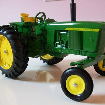 John Deere 3020 by ertl - Model Cars