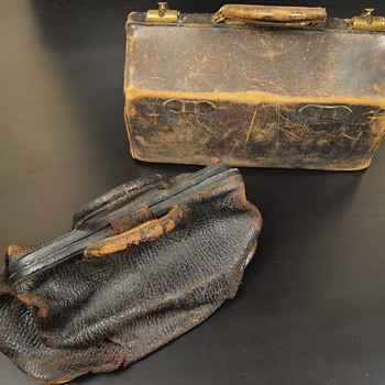 Turn-of-the-century Doctor's bags and contents with ID - Bags